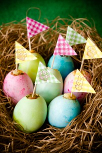 Easter Egg Cupcakes with