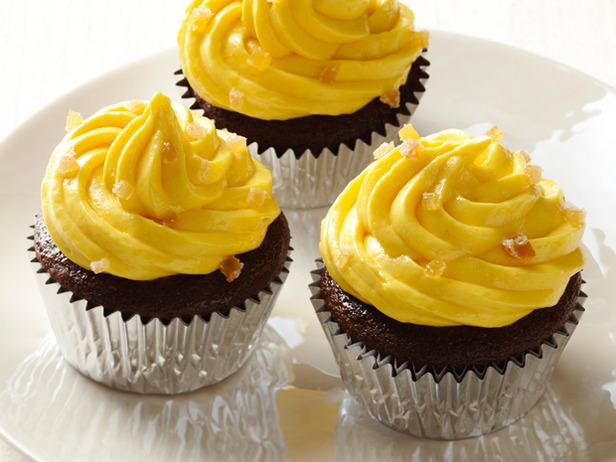 Gingerbread Cupcakes With Caramelized Mango Buttercream