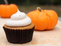 Crave. Indulge. Satisfy.: Pumpkin Cupcakes with Cinnamon Cream Cheese