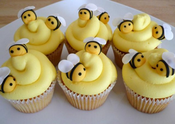 Buzzing Bumble Bee Cupcakes Style Animals Baby Shower